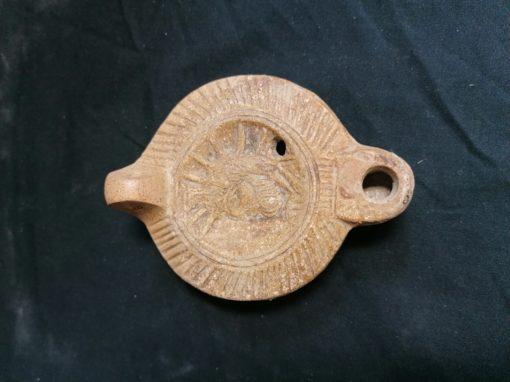Lampe à huile en terre cuite romaine